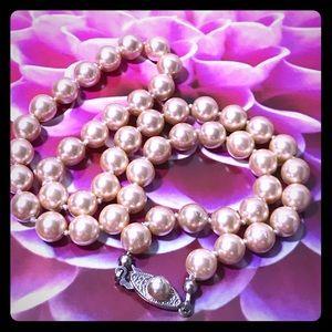 "Pretty in Pink Vintage Pearls 🌷18"" length, Love!"